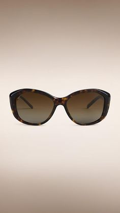 4eb05273c379 16 Best Burberry Eyewear images in 2019