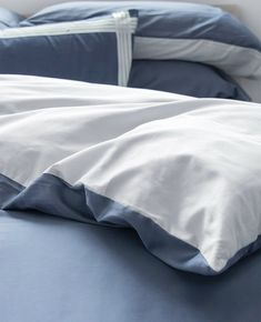 Stop singing the blues. 💙 We are so proud to introduce our newest bedding collection, Duet Midnight/Silver. 100% Egyptian cotton, woven in Italy & made in Canada. The best quality on the market, period. Luxury Bath, Luxury Shop, Navy Bedding, Silver Pillows, Fine Linens, Egyptian Cotton, Bedding Collections, Beds, Duvet Covers