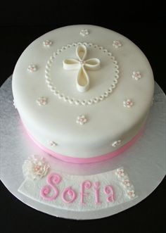 Girl Baptism Cake More Mehr First Holy Communion Cake, Première Communion, Christening Cake Girls, Girl Baptism, Baptism Cakes For Girls, Fondant Cakes, Cupcake Cakes, Comunion Cakes, Dedication Cake