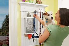 STEP-BY-STEP: Make this pet station near your entry and you'll always have what you need at hand.  (Photo: Laura Moss)