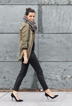 Leopard scarf, black jeans & heels