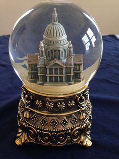 "Hard to Find - Mary Poppins ""Feed the Birds"" St. Paul's Cathedral Snow Globe"