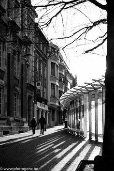 Straatfotografie / streetphotography Leuven   http://www.photogenx.be/blog/straatfotografie-in-leuven/