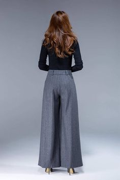 As the year develops, the trousers leg for jeans is noticeable. If you go on a popular high street, you … Pop Fashion, Fashion Pants, Womens Fashion, Fashion Ideas, Flowy Pants Outfit, Maxi Pants, Trousers Women, Pants For Women, Wide Leg Pants
