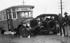 Accidente de Omnibus en 1933 by rogali, via Flickr