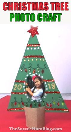 🎄Cute Christmas tree photo keepsake! Thrifty kid-made gift idea with simple supplies. Love it!!