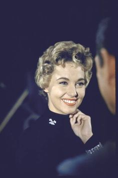 Celebrity Deaths - 404 Error - Page Not Found Lola Albright, Love Vintage, Celebrity Deaths, Ohio, Classic Movie Stars, Private Investigator, Tv Land, New Names, Old Hollywood Glamour