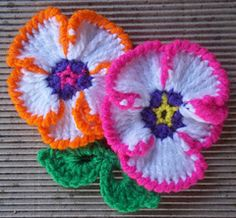 Frilly Pansy ~ free pattern ᛡ