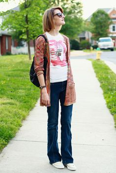 Printed cardigan + graphic tee + flare jeans + Chucks = perfection.