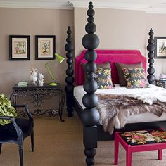 My, my, those are some big posts you have.........                                                           This bed is stunning.