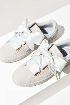 Adidas Women Shoes - Tendance Chausseurs Femme 2017 Description Puma Suede Heart Satin Sneaker - Urban Outfitters - We reveal the news in sneakers for spring summer 2017 Puma Suede, Puma Sneakers, Shoes Sneakers, Women's Shoes, Trendy Womens Sneakers, Basket Style, Urban Outfitters, Adidas Shoes Women, Pumas Shoes