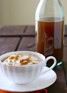 DIY Pumpkin Spice Syrup for Pumpkin Spice Lattes.wow, this sounds great! And maybe for pumpkin spiced chai tea lattes, too:) Diy Pumpkin, Pumpkin Recipes, Fall Recipes, Coffee Recipes, Pumpkin Spice Syrup, Pumpkin Puree, Canned Pumpkin, Chai, Pickles