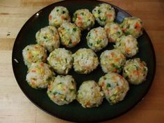 Korean Food : 주먹밥  rice balls with veggies?!