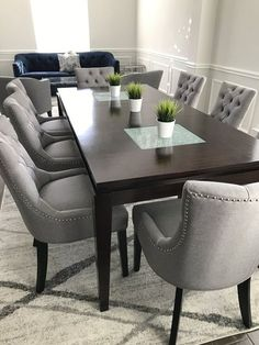 Dining Room Table Decor, Gray Dining Chairs, Elegant Dining Room, Dining Table Design, Dining Room Sets, Upholstered Dining Chairs, Dining Room Furniture, Living Room Decor, Accent Chairs