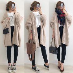 ファッション ファッション in 2019 Korea Fashion, Japan Fashion, Stylish Dresses For Girls, Trendy Outfits, Winter Fashion Outfits, Autumn Fashion, Ulzzang Fashion, Korean Outfits, Minimalist Fashion