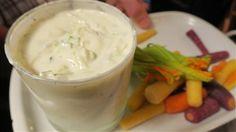 Tzaziki de Guylou   Marina Orsini   ICI Radio-Canada.ca Radios, Marina Orsini, Cold Meals, Canada, Mashed Potatoes, Recipies, Pudding, Fruit, Vegetables