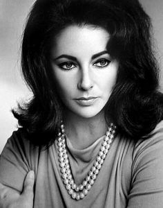 Elizabeth Taylor was a Pearl girl too (although she loved her diamonds and emeralds as well)