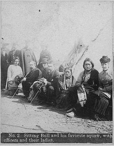 Sitting Bull, People Of The World, Sioux, Old West, First Nations, Old Photos, American History, Nativity, North America