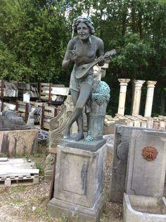 Te koop bij Medussa bronzen bachusbeeld