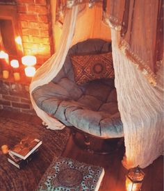 Cozy Reading Nooks to Burrow in This Fall Set the mood for reading with faux candles near a big comfy chair.Set the mood for reading with faux candles near a big comfy chair. Dream Rooms, Dream Bedroom, Master Bedroom, Hippy Bedroom, Bedroom Simple, Bedroom Nook, Bedroom Romantic, Teen Bedroom Chairs, Girls Bedroom