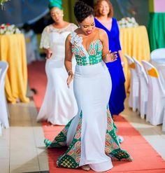 Image may contain: one or more people, people standing and wedding African Bridesmaid Dresses, Long African Dresses, African Wedding Attire, Latest African Fashion Dresses, African Print Fashion, African Attire, Printed Bridesmaid Dresses, Emo Dresses, Ankara Fashion