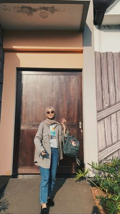 Modest Fashion Hijab, Modern Hijab Fashion, Street Hijab Fashion, Casual Hijab Outfit, Hijab Fashion Inspiration, Modern Vintage Fashion, Ootd Hijab, Girl Hijab, Fashion Outfits