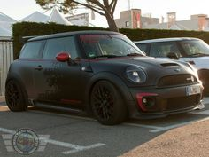 I'm really liking this flat paint trend, the combo of Black, Grey & Red on this MINI Cooper S is stunning!