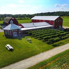 How cute is this Wisconsin winery? This is @stallerestatewinery near Lake Geneva and we popped in to taste their wines. They were also kind enough to let us fly our DJI Mavic Pro which I decided I needed since our other DJI lives with Tim. Not bad for my first time flying a drone and shooting in to the sun. Can't wait to get it up above the beautiful châteaux of Bordeaux!