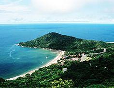 Praia de Laranjeiras em Balneário Camboriú