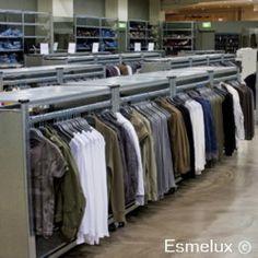 Estanteras metlicas para almacenar ropa con separadores