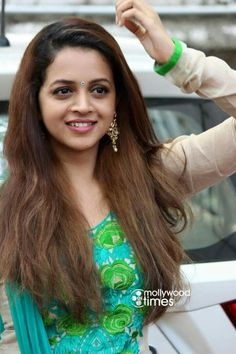 Brunette Beauty, Hair Beauty, Bhavana Actress, Indian Girls, Indian Ethnic, Girls In Leggings, Most Beautiful Indian Actress, Hottest Pic, Beauty Full Girl