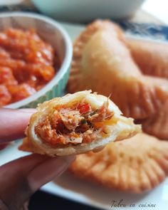 Pastels au thon (beignets au thon sénégalais) – Tabou En Cuisine Delicious Burgers, Beignets, Burger Recipes, Empanadas, Street Food, Tapas, Macaroni And Cheese, Food To Make, Art Pastel