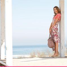 Blomstrete kjole fra KLiNGEL Kimono Top, Bohemian, Tops, Women, Style, Fashion, Swag, Moda, Women's