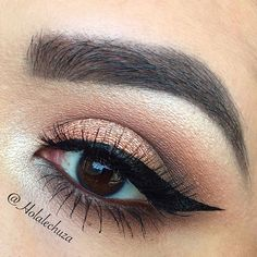 Eye of the day ❤️. From @mbacosmetics I used Georgia Clay and their loose shadow in Coral Cove over @nyxcosmetics jumbo pencil in Yogurt. Also other neutrals in the crease. Inner corner highlight and brow bone highlight is @gerardcosmetics Star Powder in Grace. Liner is @nyxcosmetics vinyl liquid liner in black and lashes @lillyghalichi in Venice. #maquillaje #bhcosmetics #wakeupandmakeup #morphebrushes #gerardcosmetics #katvondbeauty #universodamaquiagem_oficial #hudabeauty…