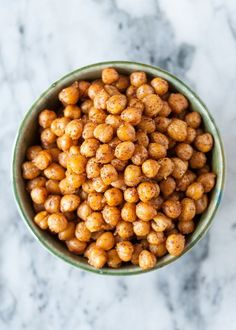 How To Make Crispy Roasted Chickpeas in the Oven — Cooking Lessons from The Ki.,Healthy, Many of these healthy H E A L T H Y . How To Make Crispy Roasted Chickpeas in the Oven — Cooking Lessons from The Kitchn Source by frostpetticoat. Roast Recipes, Dog Food Recipes, Vegetarian Recipes, Cooking Recipes, Healthy Recipes, Chickpea Recipes, Cooking Games, Chickpea Snacks, Whole Foods