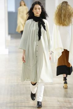 20 Looks with Fashion Designer Lemaire Glamsugar.com Lemaire Spring 2016 Ready to Wear Collection
