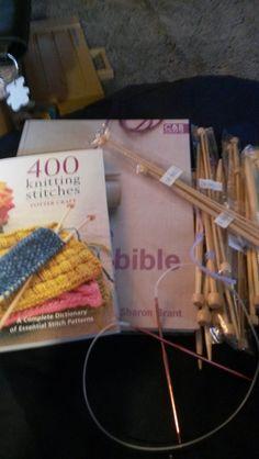 2 Knitting books, 14 sets bamboo knitting needles,  find them on Listia.