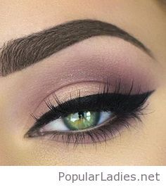 Rose and black eye makeup for green eyes