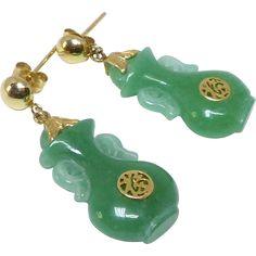 Gold Jewelry For Sale Jade Earrings, Gold Drop Earrings, Gold Jewelry For Sale, Fine Jewelry, Gemstone Jewelry, Gold Jewellery, Jade Green, Ruby Red, Vintage Green