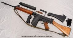 The British variant of the FN FAL, here shown with its sensational wood parts, with a set of plastic parts aswell. These rifles where made by RSAF Enfeild, and Lithgow in Australia. These rifle.