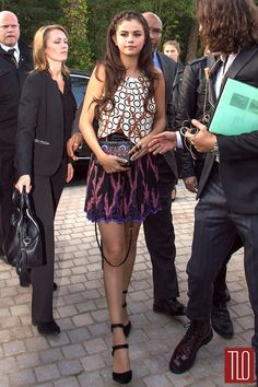 Selena-Gomez-Louis-Vuitton-Spring-2015-Show-Paris-Fashion-Week-Tom-Lorenzo-Site-TLO (2)