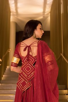 Traditional grace with a hint of modernity! This season, showcase sheer elegance as you style your self in our gorgeous Cotton Berry Maroon Gotapatti Work Anarkali Set which comes with gotapatti dupatta. Kurti Back Neck Designs, Simple Kurti Designs, Kurta Neck Design, Kurta Designs Women, Blouse Neck Designs, Party Wear Indian Dresses, Dress Indian Style, Indian Fashion Dresses, Indian Designer Outfits