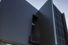 AUSTRALIAN CATHOLIC UNIVERSITY INTERLOCKING CASSETTE PANELS ALUMINIUM Catholic University, Learn Art, State Art, Cladding, Skyscraper, Multi Story Building, Exterior, Projects, Design