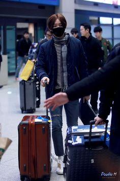2015: Nam Taehyun WINNER (위너) WWIC Arrival in Seoul