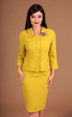 Mob Dresses, Short Dresses, Dresses For Work, Womens Dress Suits, Suits For Women, Suit Fashion, Fashion Dresses, Gothic Fashion, Office Outfits Women