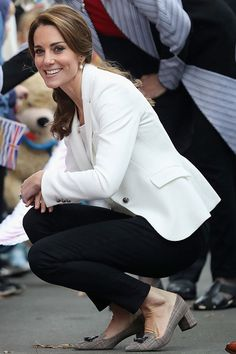 Kate Middleton, The Royal Tour of Canada 2016, Kate wears J.Crew shoes and a Zara blazer