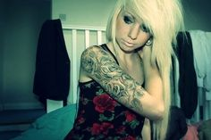 Really want a pretty black and grey roses half sleeve #tattoo #ink #pretty #tatt #inked #girl #hair #hairstyle