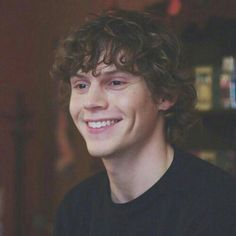 Evan Peters has totally change from the season one omshshs