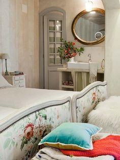 romantic mediterranean style interiors,romantic home decorating,white villa