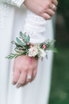 Bridal corsage -wristlet
